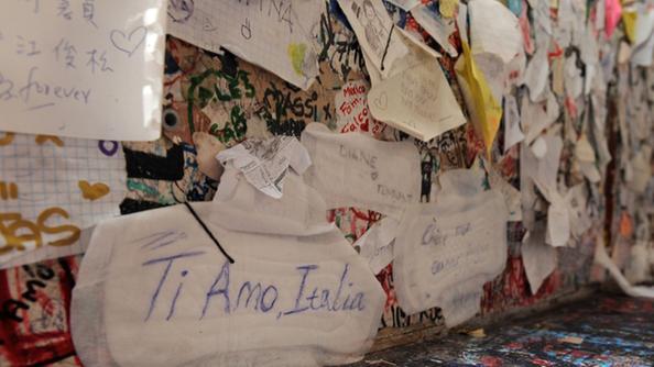 Casa di giulietta pulizia dopo gli assorbenti sul muro - Pulizia casa dopo lavori ...