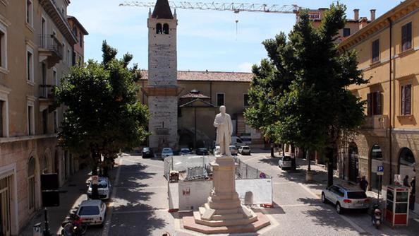 Piazzetta santi apostoli inaugurato il nuovo parcheggio - Parcheggio interrato ...