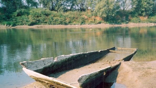 I mulini natanti di un tempo restituiti dall 39 adige in - Letto di un fiume in secca ...