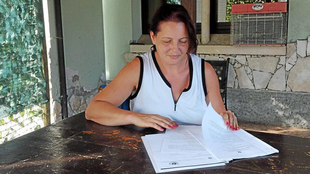 Sola con quattro figli a carico senza lavoro e la casa for Ricomprare la propria casa all asta