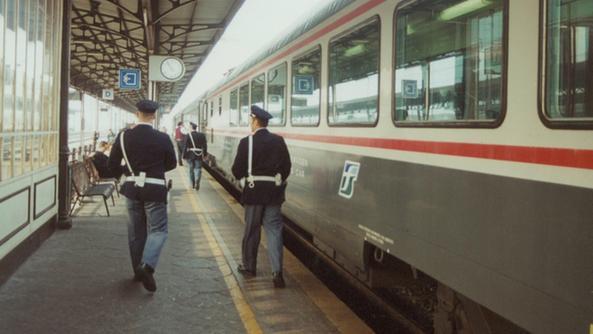 Spinello in stazione sei ragazze nei guai citt l 39 arena - Distanza tra stazione porta nuova e arena di verona ...