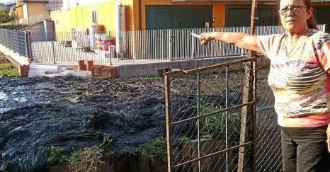 Liquami sparsi tra i condomini intervengono i carabinieri for Febbre da cabina grande orso lago ca
