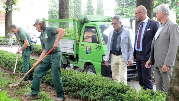 Pulizie straordinari con la task force dell 39 amia home for Giardinieri verona