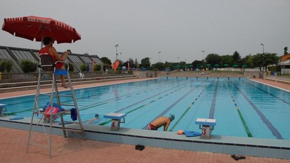 Svolta alle piscine comunali dopo 28 anni nuovo gestore - Del taglia piscine chiude ...