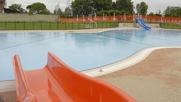 Appello al comune gratis l 39 ingresso in piscina ai for Allergia al cloro delle piscine