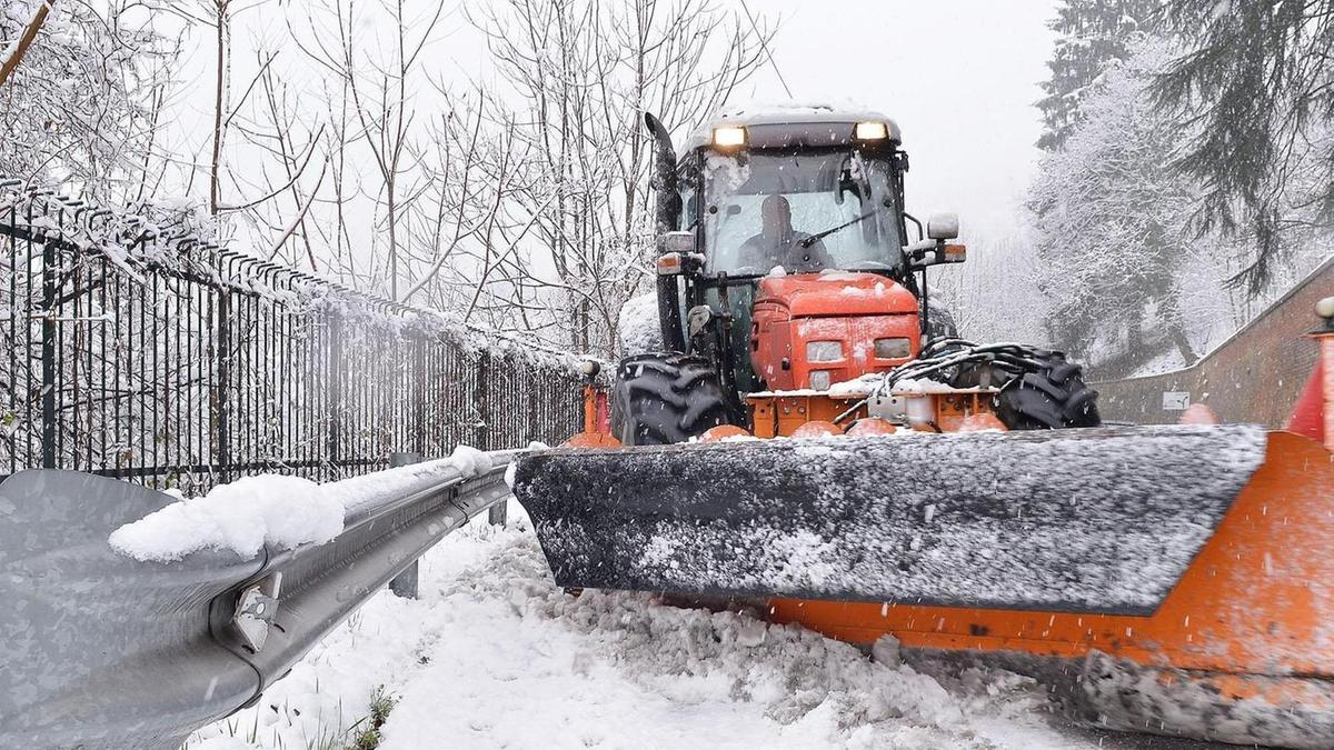 Neve e disagi al nord, Torino imbiancata - Italia - L'Arena