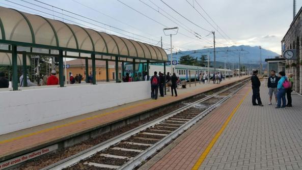 Viaggiare a scrocco in treno pare che sia un abitudine - Distanza tra stazione porta nuova e arena di verona ...