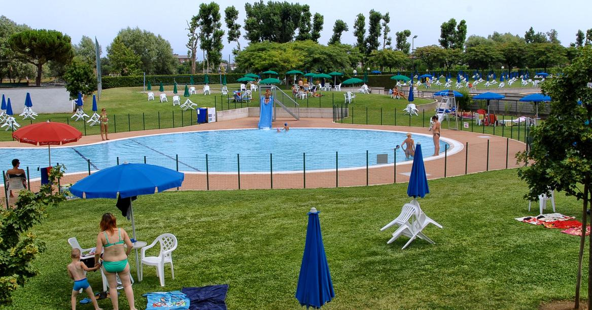 La piscina comunale raddoppia all inizio 2017 partono i for Piscina villafranca