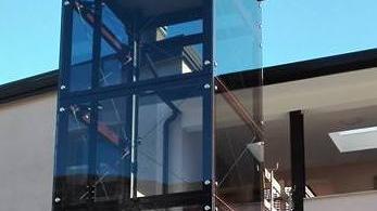 Ascensore esterno in vetro alla primaria di rivalta for Punto p esterno alla circonferenza