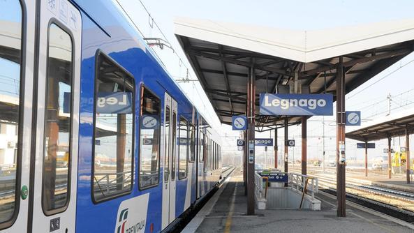 Treni sulla verona rovigo solo disagi bassa l 39 arena - Partenze treni verona porta nuova ...