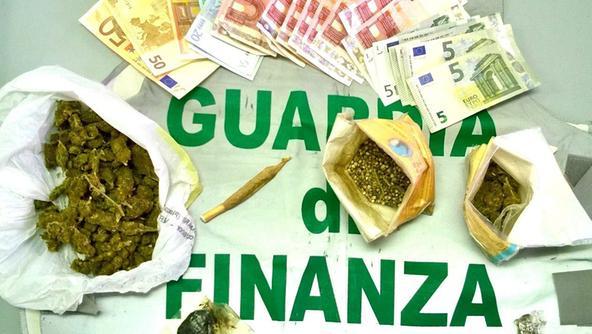 Tre chili di droga nascosta in casa un arrestato venezia - Sequestro prima casa ...