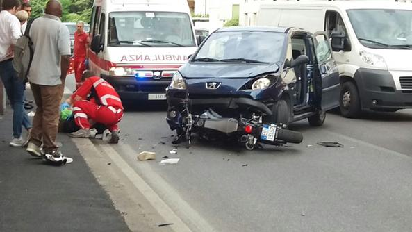 Incidente in via Fincato (foto DIENNE)