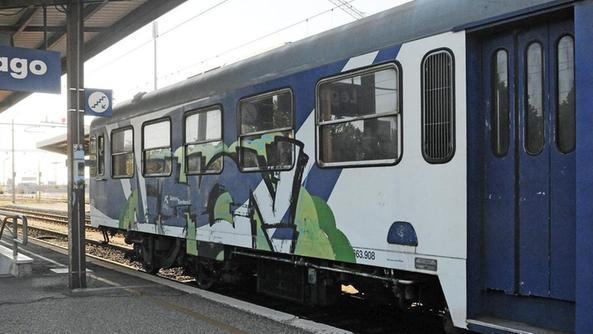 Ritardi e treni obsoleti insorgono pd e m5s bassa l 39 arena - Distanza tra stazione porta nuova e arena di verona ...
