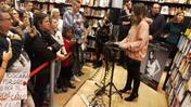 Michielin show alla Feltrinelli (video Brusati)