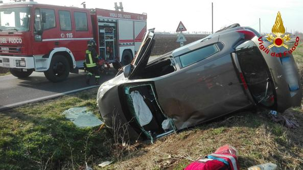 I soccorsi sul luogo dell'incidente verificatosi a Bagnolo di Lonigo
