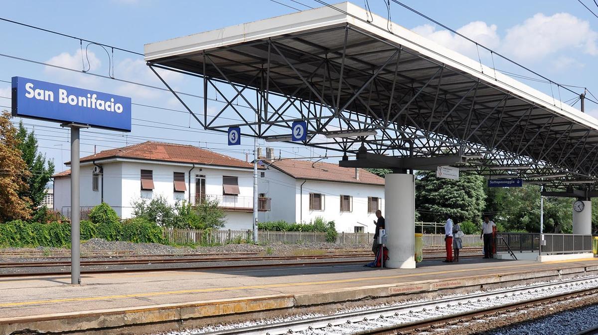 Investimento sui binari treni in ritardo citt l 39 arena - Partenze treni verona porta nuova ...