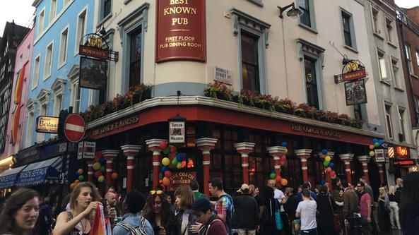 Il pub The Coach & Horses a Londra (FOTO FACEBOOK)