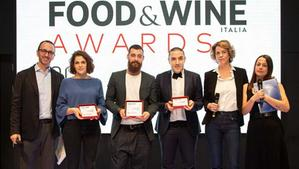 Gloria De Negri (seconda a sinistra) con i finalisti under 35 di Food&Wine Award