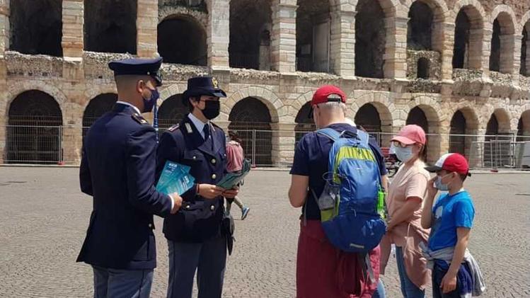 Polizia in piazza Bra